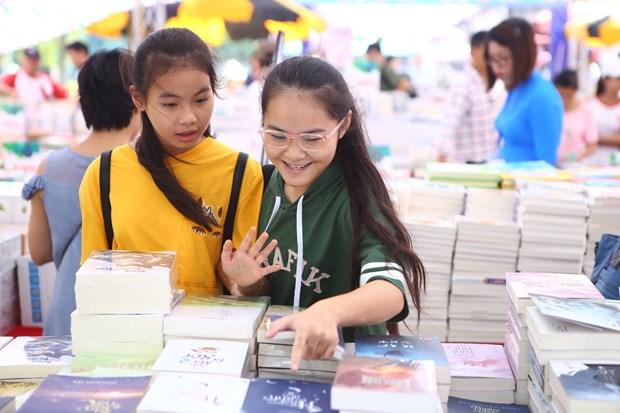 Hanoi Book Festival kicks off at Thang Long Imperial Citadel hinh anh 1
