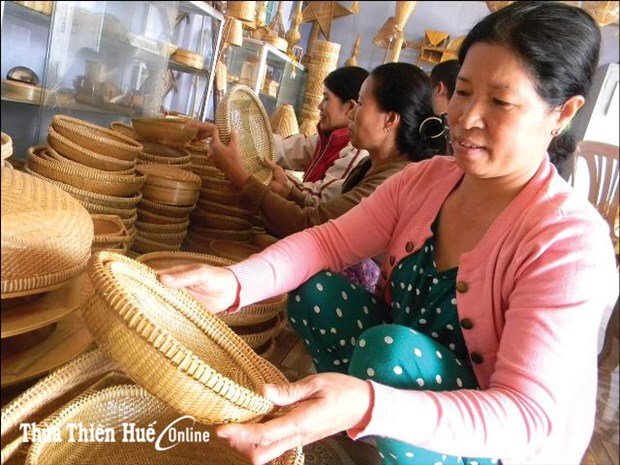 Microfinance - an effective tool for women to escape poverty hinh anh 1