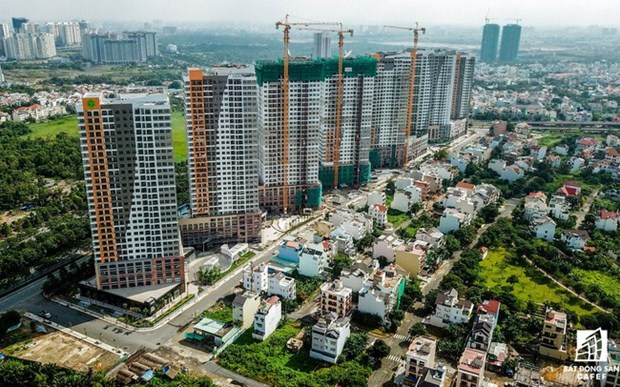 Property sector calls for adjustments to bank loan regulations hinh anh 1