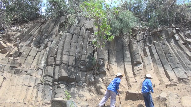 New rock formation found in Phu Yen province hinh anh 3
