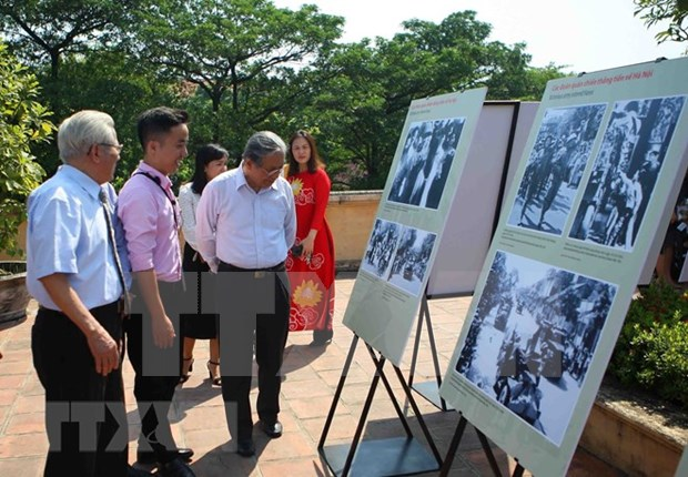 Exhibition marks Hanoi's liberation celebrations in 1954 hinh anh 1