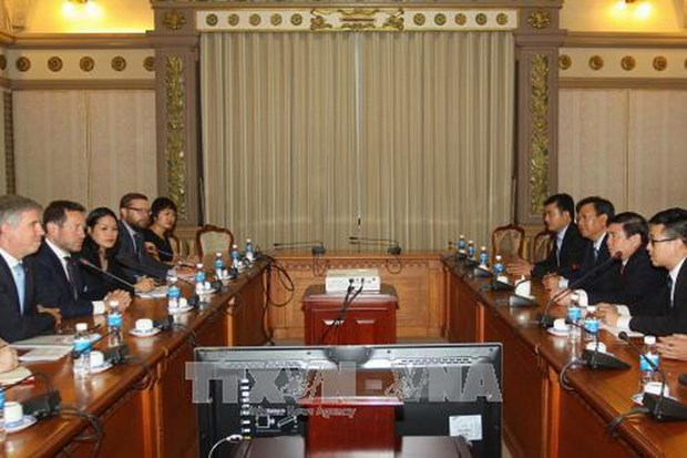HCM City leading official, UK Trade Envoy discuss ties hinh anh 1