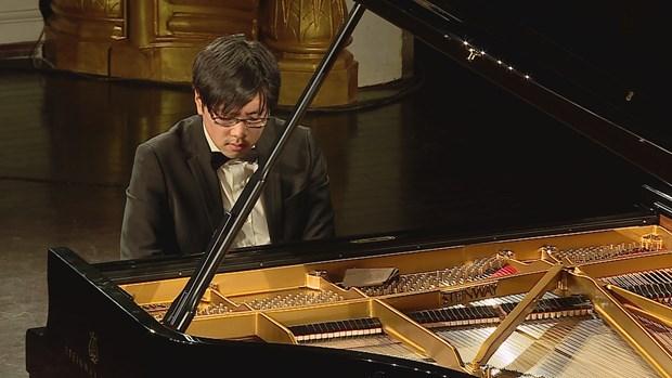 Overseas Vietnamese pianist held solo concert in Vietnam hinh anh 2