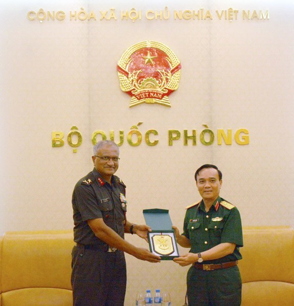 Vietnam treasures defence ties with India hinh anh 1