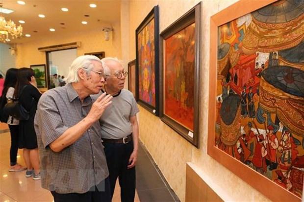 Exhibition marks Hanoi liberation anniversary hinh anh 1
