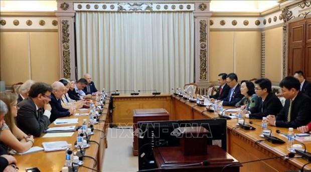 HCM City, UK promote cooperation between elected agencies hinh anh 1
