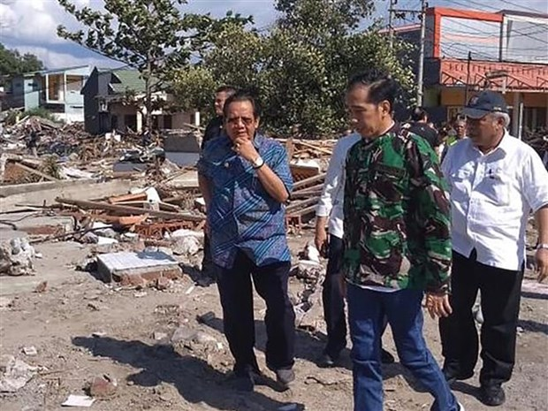 Indonesian President pays second visit to quake-hit area hinh anh 1