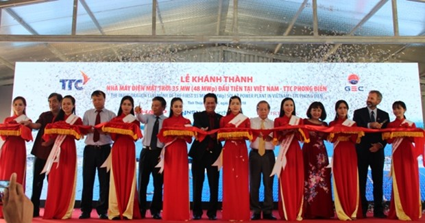 Thua Thien-Hue inaugurates 35MW solar power plant hinh anh 1