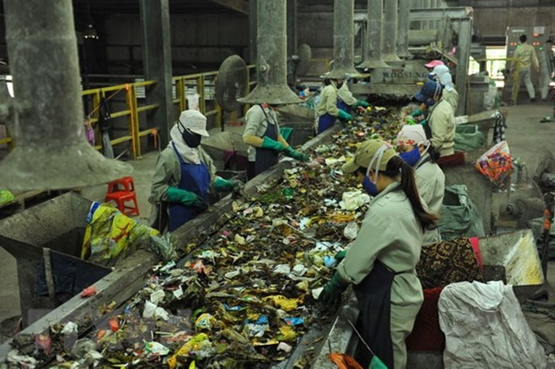 Sorting garbage key to treatment hinh anh 1