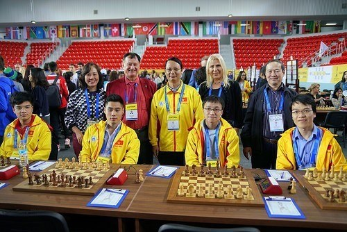 Vietnam's teams tie with strong rivals at Chess Olympiad in Georgia hinh anh 1
