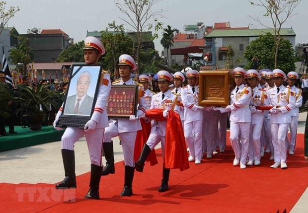 Former Party General Secretary Do Muoi laid to rest in hometown hinh anh 1