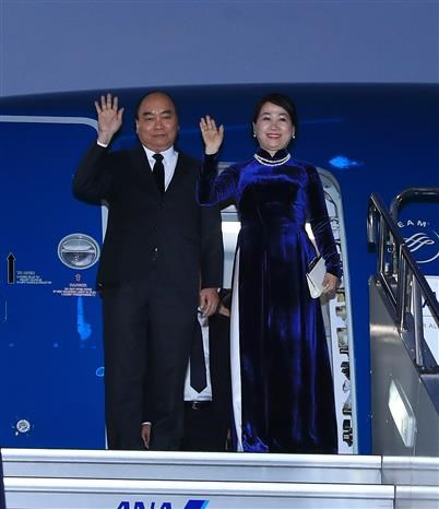 Prime Minister leaves for 10th Mekong-Japan Summit Meeting hinh anh 1