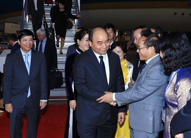 PM arrives in Tokyo for 10th Mekong-Japan Summit Meeting hinh anh 1