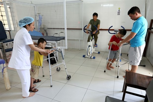 Handicapped children lack access to education hinh anh 1