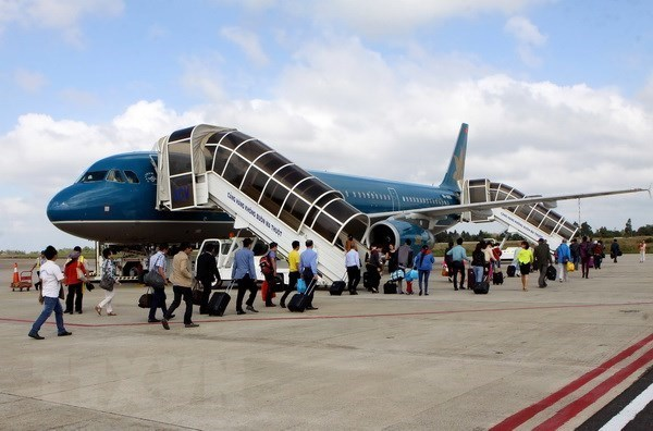 Vietnamese airports serve nearly 80 million passengers in nine months hinh anh 1