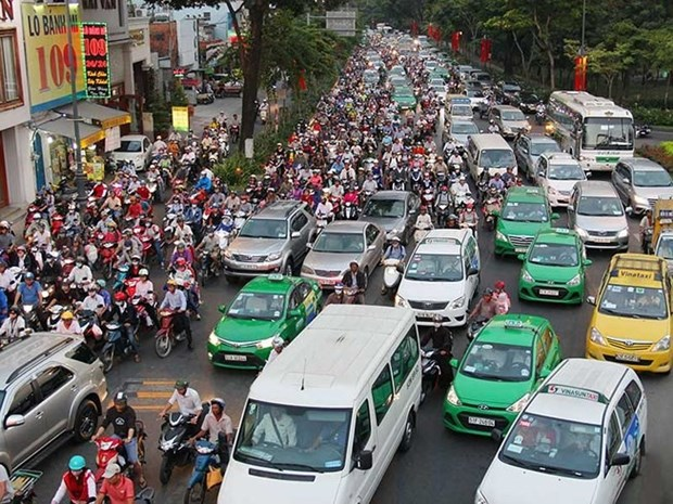 HCM City's new programme to reduce traffic congestion hinh anh 1