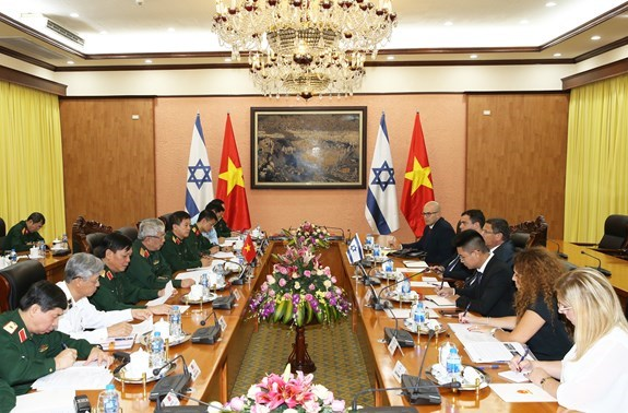 Vietnam, Israel step up defence cooperation hinh anh 2
