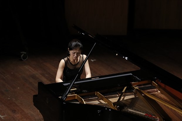 Japanese, Korean soloists to perform in HCM City hinh anh 1