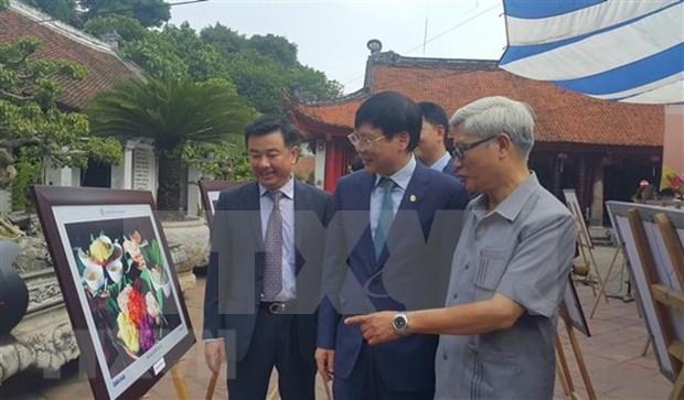 """Hanoi in me"" photo exhibition marks Hanoi's Liberation Day hinh anh 1"