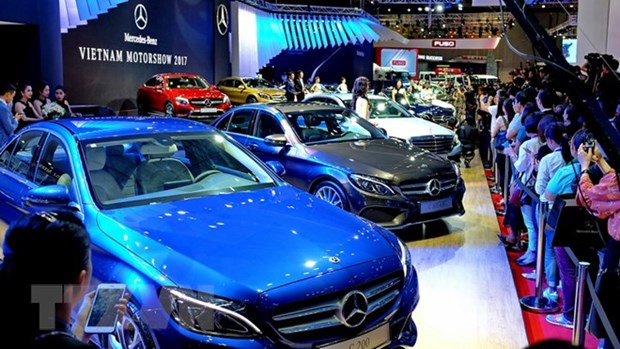 Vietnam's automobile sales rise 24 percent in September hinh anh 1