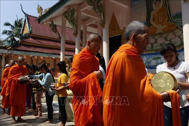 Khmer community in Hau Giang, Soc Trang celebrate Sene Dolta festival hinh anh 1