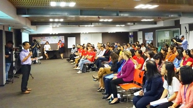 ASEAN youngsters seek ways to end gender violence, promote equality hinh anh 1
