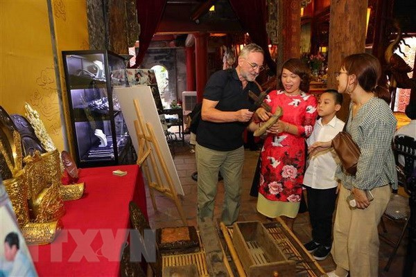 Cultural activities celebrate Hanoi's liberation anniversary hinh anh 1