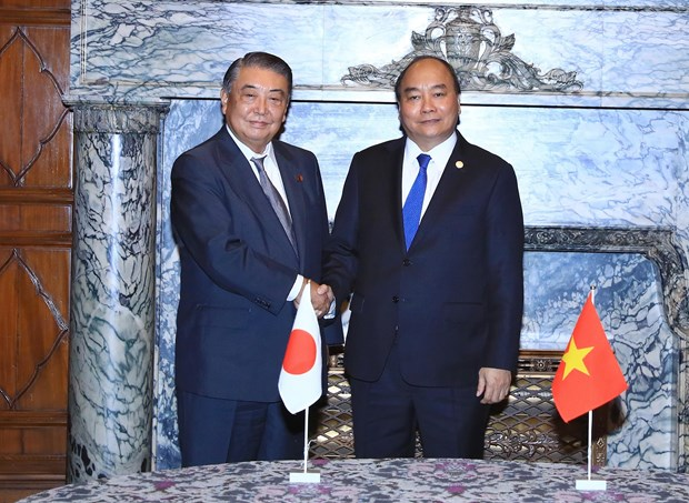 PM Phuc meets with leaders of Japanese parliament hinh anh 1