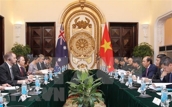 Vietnam, Australia hold strategic dialogue on foreign affairs and defence hinh anh 1