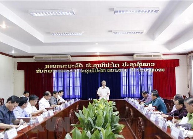 Vietnamese senior officials visit Vientiane hinh anh 1