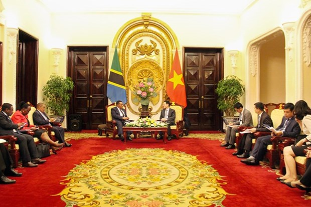 Telecoms contributes to Vietnam-Tanzania cooperation: Acting Minister hinh anh 1