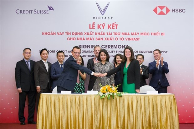 Vinfast signs 950 million USD agreement for machinery hinh anh 1