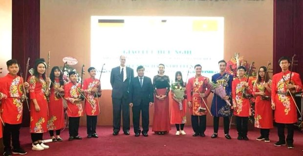 Gathering celebrates German National Day in Hanoi hinh anh 1