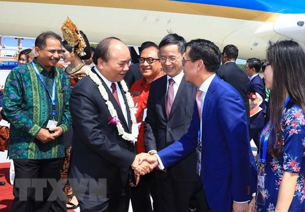 PM concludes trip to attend ASEAN Leaders' Gathering, Indonesia visit hinh anh 1