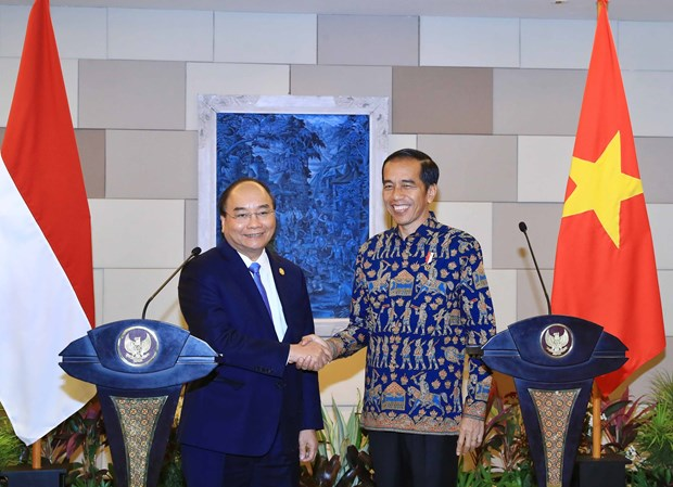 Significant outcomes recorded in PM Phuc's Indonesia trip: official hinh anh 1
