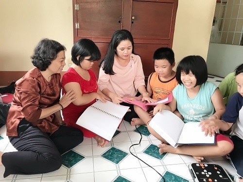 Library offers resources for visually-impaired students hinh anh 1