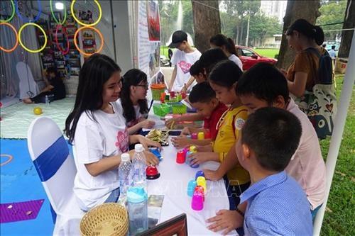 HCM City gears toward violence-free society hinh anh 1