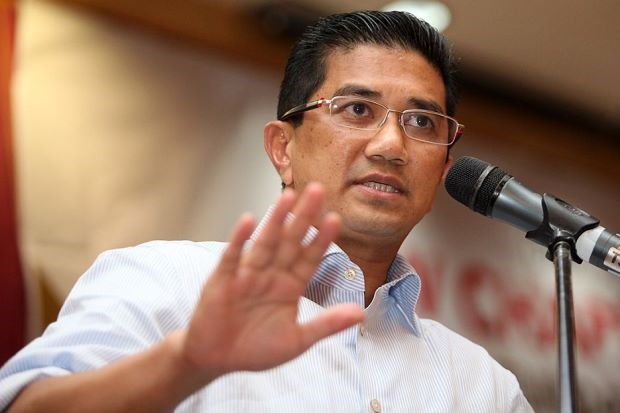 Malaysia cuts costs of officials' overseas working trips hinh anh 1
