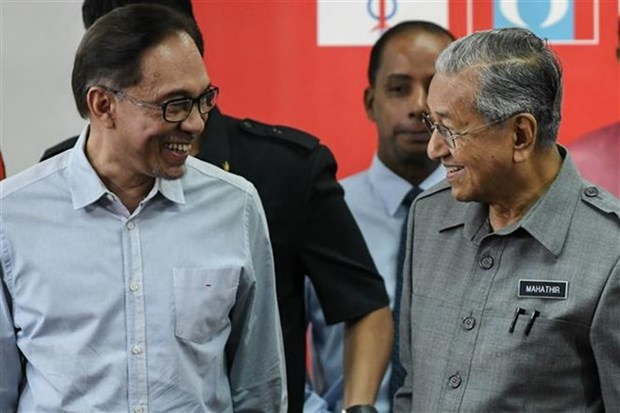 Former Deputy PM Anwar returns to Malaysian political arena hinh anh 1