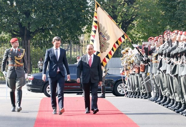 Prime Minister Nguyen Xuan Phuc welcomed in Austria hinh anh 1