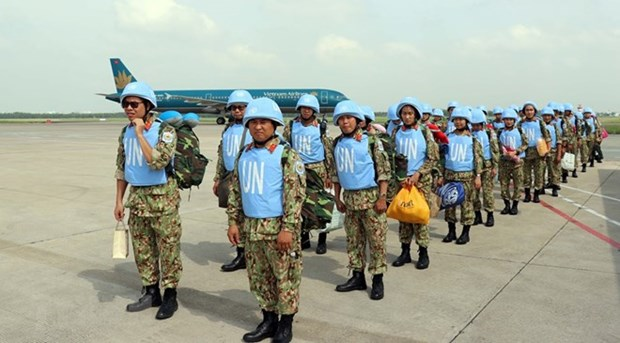 Second group of VN's peacekeeping force sets off for South Sudan hinh anh 1