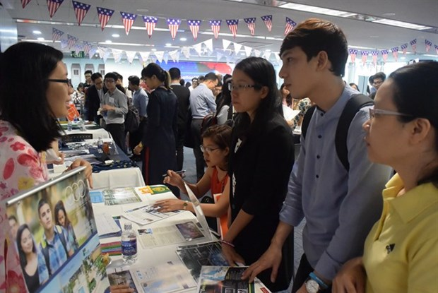 Over 22,400 Vietnamese students study in US hinh anh 1