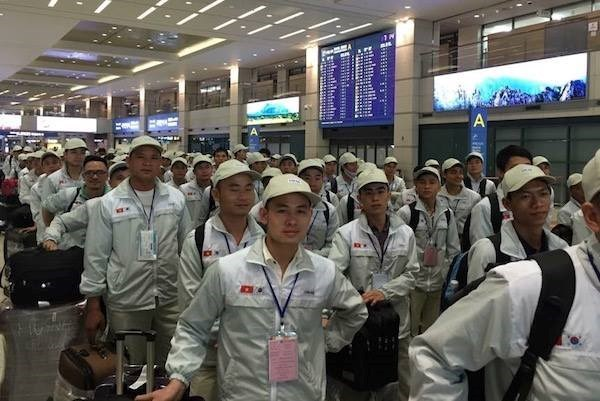 Over 102,000 Vietnamese sent to work abroad in nine months hinh anh 1