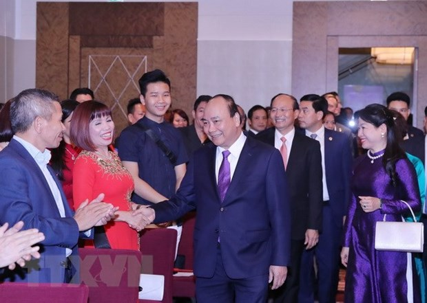 PM meets overseas Vietnamese in Austria hinh anh 1