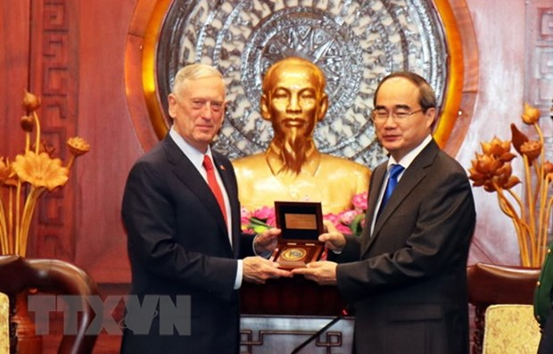 HCM City leader greets US Secretary of Defence hinh anh 1