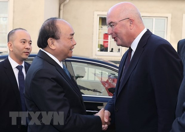 PM wraps up official visit to Austria hinh anh 1