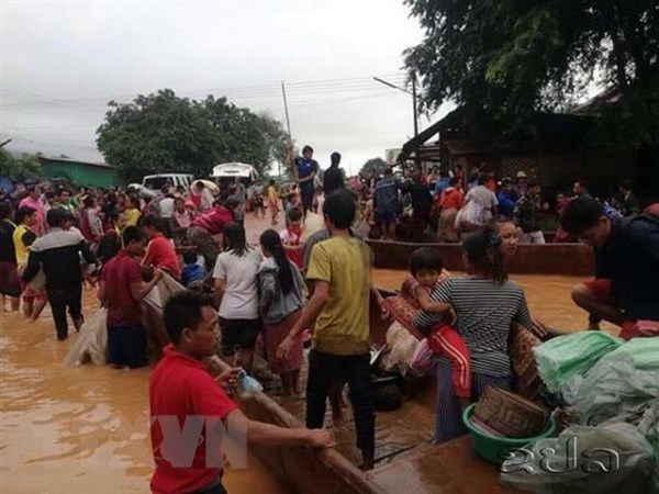 Vietnamese firm offers aid to Lao dam-collapse victims hinh anh 1