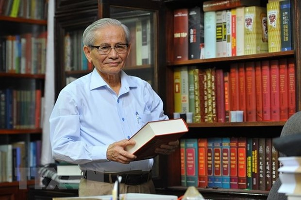 Late historian awarded with Japan's certificate of merit hinh anh 1