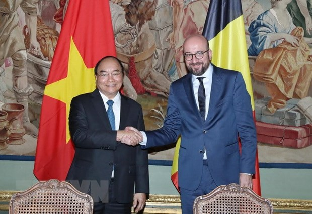 PMs hold talks on progress of Vietnam-Belgium relations hinh anh 1