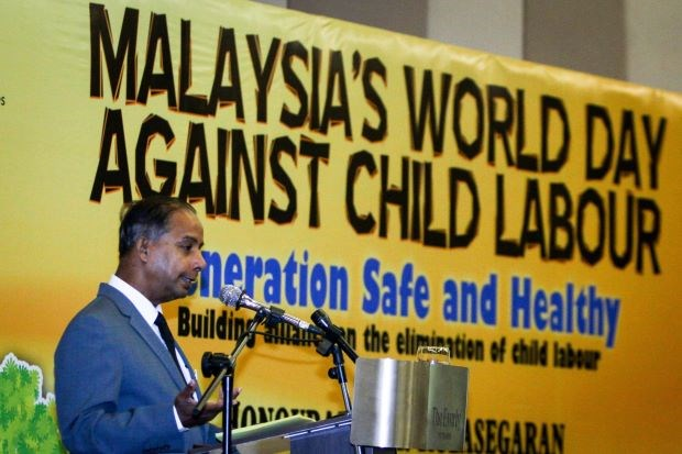 Malaysia increases fines for child labour use hinh anh 1